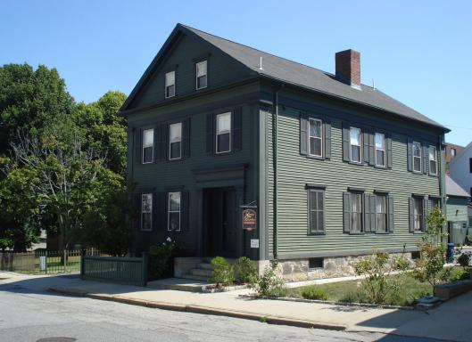 The Borden home on Second Street in Fall River, Mass., where the murders of Lizzie Borden's parents occurred, is now a bed and breakfast. (Donna Hageman/Chicago Tribune/TNS)
